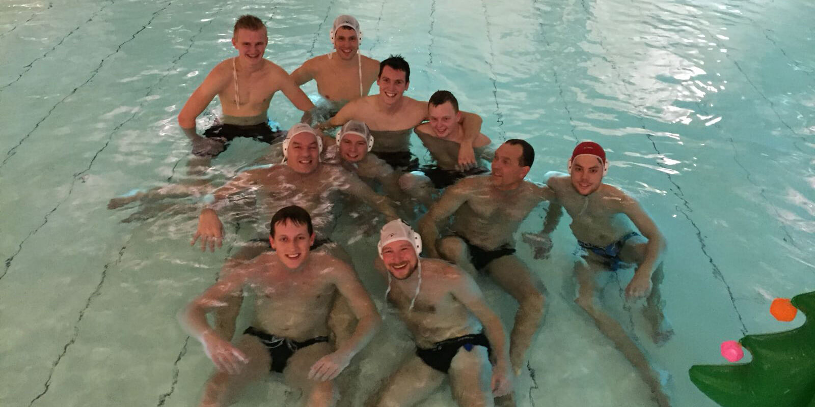 De heren van het waterpolo team Heren 1