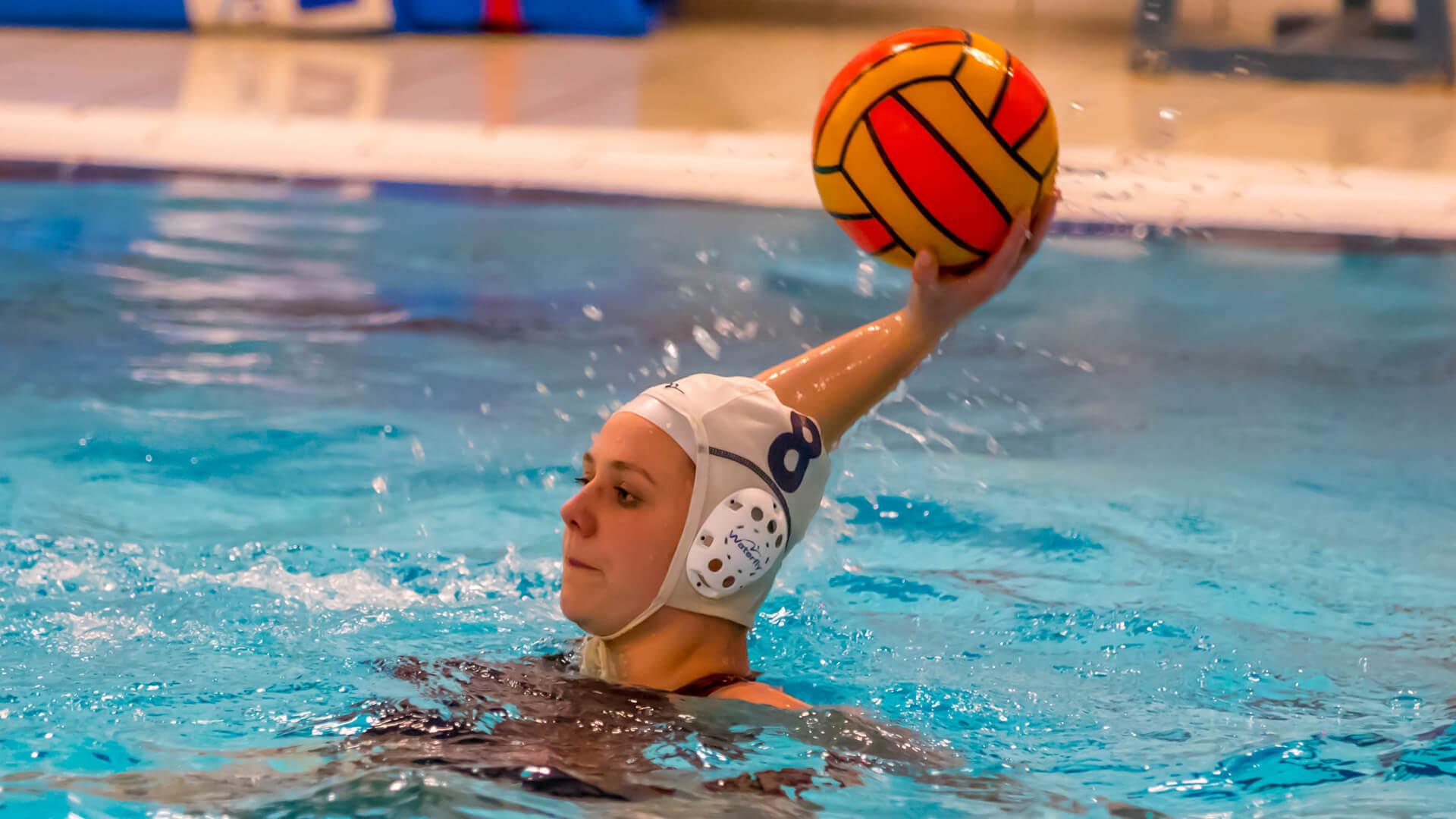 Waterpolo Dames 1 winnen van Ritola